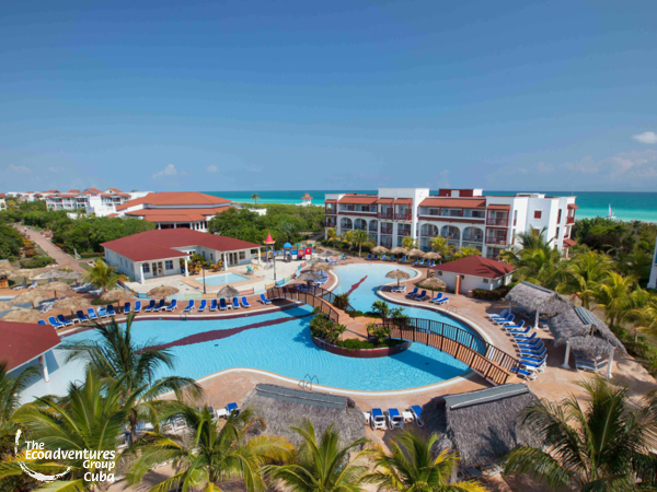 Panoramic hotel & pool view - Grand Memoríes Varadero Hotel