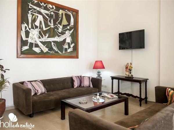 House living room - Hostal Bed & Breakfast Central Havana