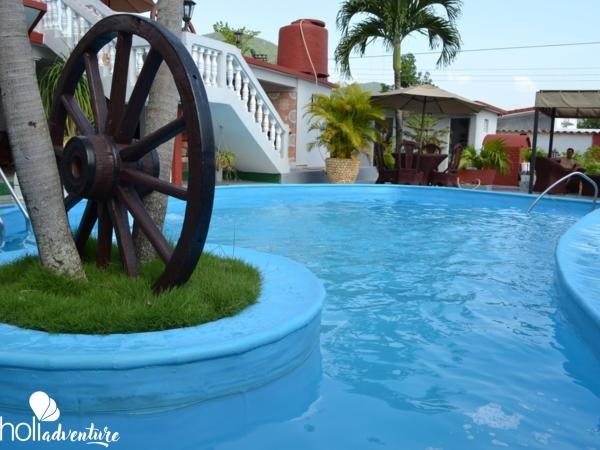 Swimming pool view - Casa Nenita
