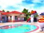 Panoramic kinds pool view