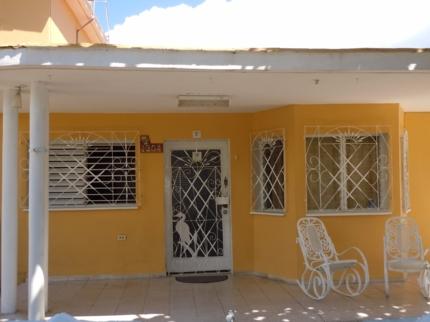 La Casa Amarilla, CALLE 39, No. 1204
