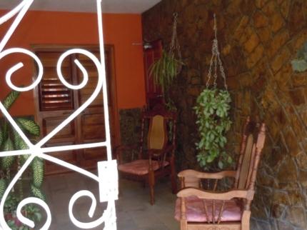 Casa 20 y 37, CALLE 37, No. 2001