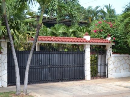 Casa Landy 1, CALLE 35, No. 1812